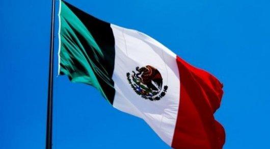 Мексиканец пил антифриз, чтобы выжить в грузовике с мигрантами в США - СМИ