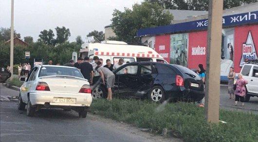 Авария с пятью пострадавшими попала на видео в Усть-Каменогорске