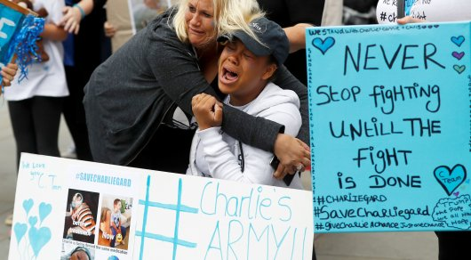 Дело неизлечимо больного Чарли Гарда: суд не позволил 11-месячному ребенку умереть дома