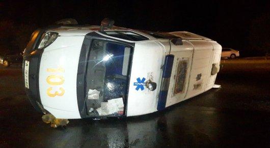 Медики рассказали о состоянии пострадавших в ДТП с участием скорой в Алматы
