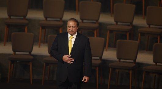Премьер-министр Пакистана отстранен от должности из-за коррупционного скандала