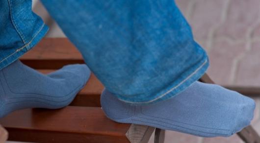Из-за носков у жителя ВКО слезла кожа на ногах