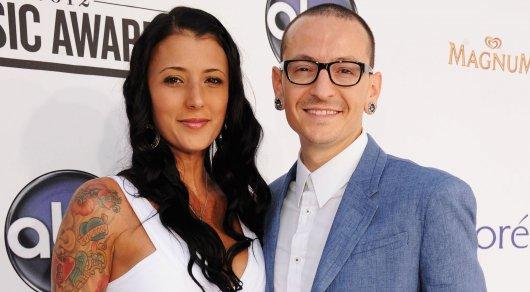 Вдова вокалиста Linkin Park впервые прокомментировала его смерть