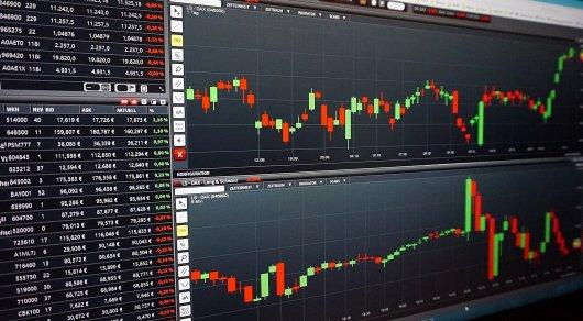 Возможная коррекция нефтяных цен ослабит тенге - мнение