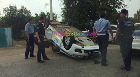 Полицейская машинаперевернулась в Актобе