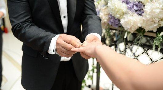 Какие области лидируют по бракам и разводам в Казахстане