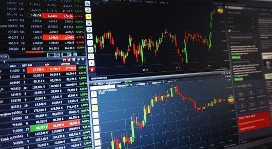 Рекордный с 2015 года объем валютных торгов на KASE объяснили экономисты