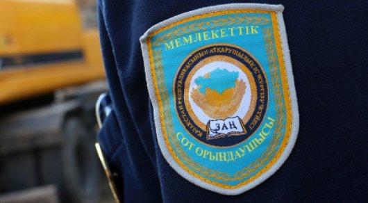 В Казахстане 900 судебных исполнителей наказали за нарушения