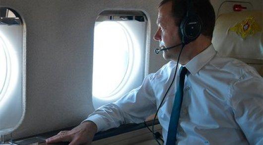 Нота протеста: Украина возмущена визитом Медведева в Крым
