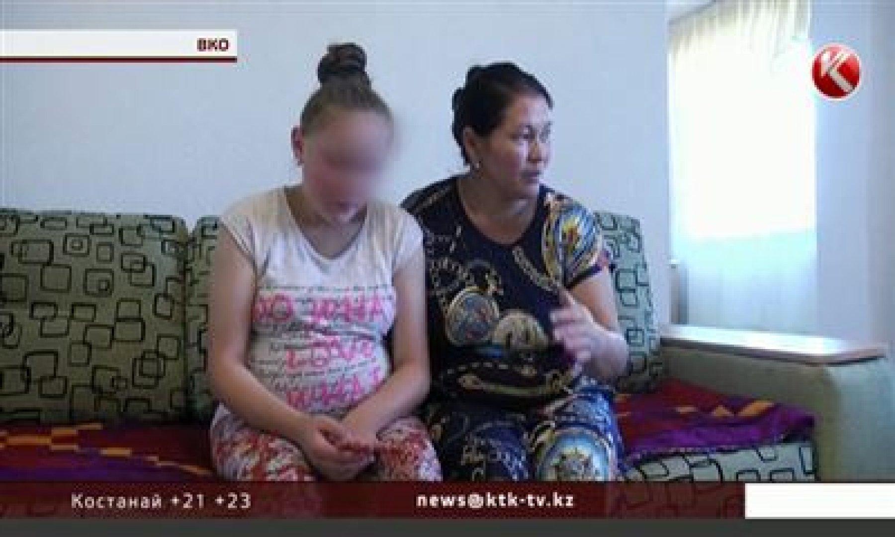 Старший брат оттрахал младшую сестру, Тощий парень ебет старшую сестру смотреть порно 22 фотография