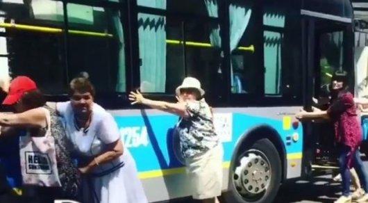 Толкающие троллейбус