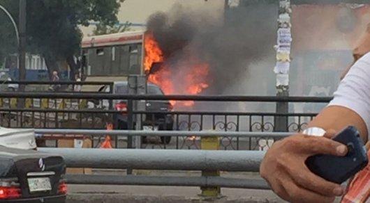 В Алматы загорелся автобус