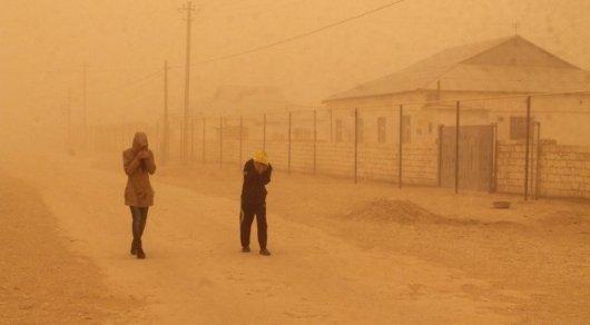 Штормовое предупреждение объявлено в четырех регионах Казахстана из-за сильного ветра