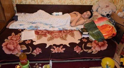 Ставший жертвой мошенников парализованный астанинец просит помощи