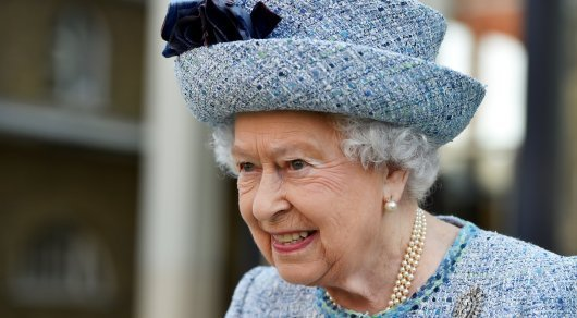Британская королева устроила вечеринку для 500 подданных под песни ABBA