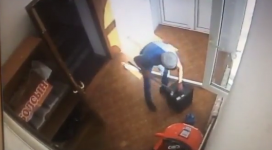 Кража пожертвований в мечети Жамбылской области попала на видео