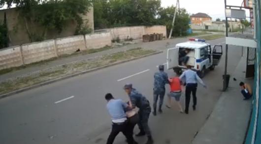 Полицейские Павлодара намерены наказать избитых ими посетителей кафе