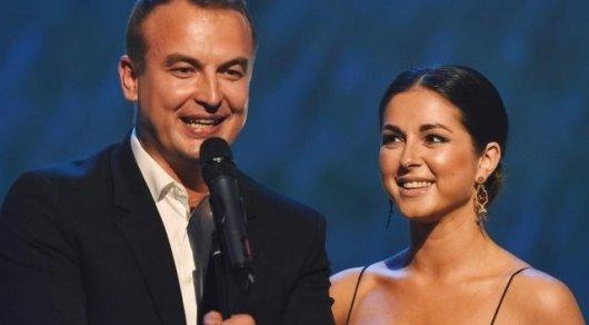 Нюша тайно вышла замуж за КВНщика из команды