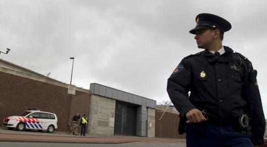 Неизвестный захватил заложников в здании радиостанции в Нидерландах