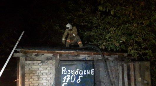 Три гаража сгорели за сутки на одной улице в Алматы