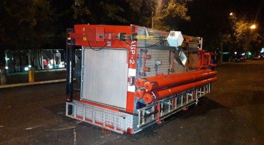Пожарная машина перевернулась в Алматы