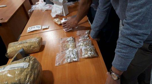 Контрабанду драгоценностей на 2 миллиона долларов выявили в Астане