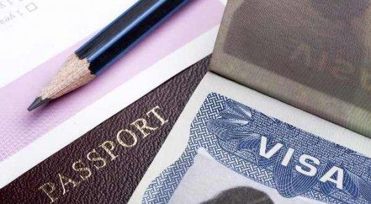 США приостановят выдачу виз россиянам