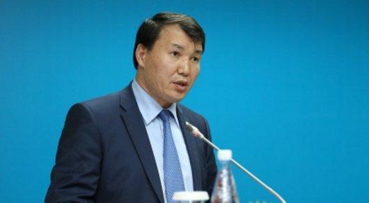 Шпекбаев раскритиковал чиновников за очереди на границе