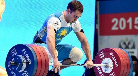 Тяжелоатлет Уланов принес Казахстану третье