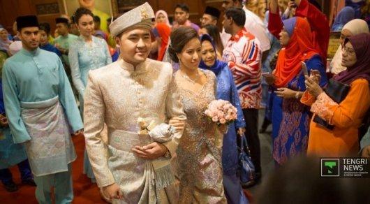 У Данияра Кесикбаева и дочери премьер-министра Малайзии родился сын