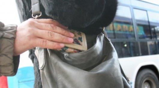 В автобусах Алматы будут считывать биометрические данные карманников и передавать полиции