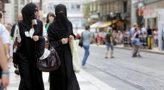 Кому разрешат ходить в закрытых одеяниях после введения нового закона о религии
