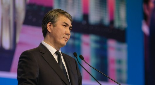 Исекешев прокомментировал фото чиновников в общественном транспорте