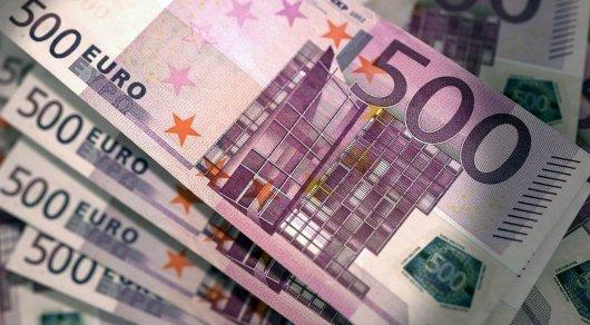 Евро продают в обменниках по 405 тенге