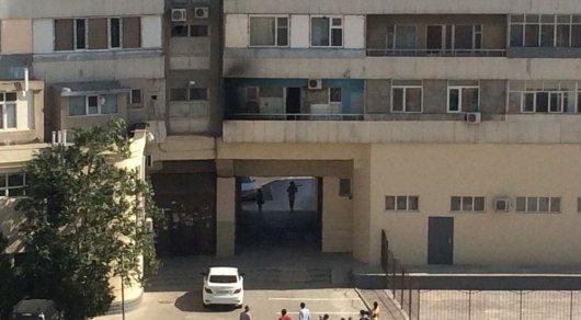 Житель Актау потушил пожар, рискуя жизнью. Инцидент попал на видео