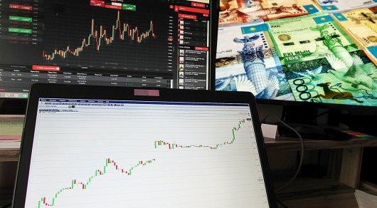 Эксперты объяснили причину резкого падения тенге к доллару