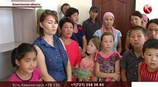 В Алматинской области детей не берут в школу