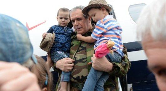 Самолет со спасенными в Ираке казахстанцами приземлился в Грозном
