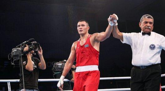 ЧМ по боксу: Камшыбек Кункабаев дважды отправил соперника в нокдаун