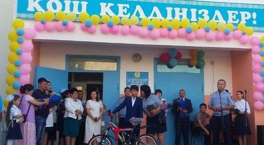 11-летнему школьнику, спасшему от насильника девочку в Актау, подарили велосипед