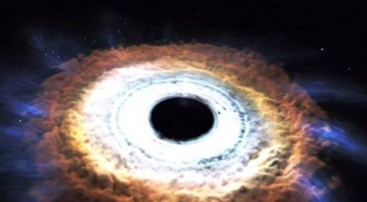 Профессионалы NASA увидели аномалию вчёрной дыре