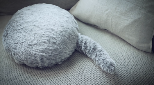 ВЯпонии отыскали замену котам ввидео робота-подушки