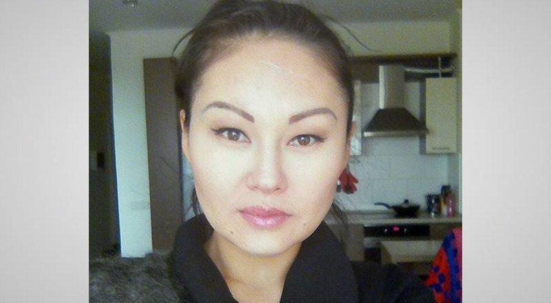 Алматы девушки работу ищут фото девушек в коротком на работе
