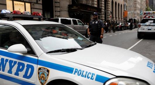 ВНью-Йорке женщина ограбила банк, оставив ребенка втакси
