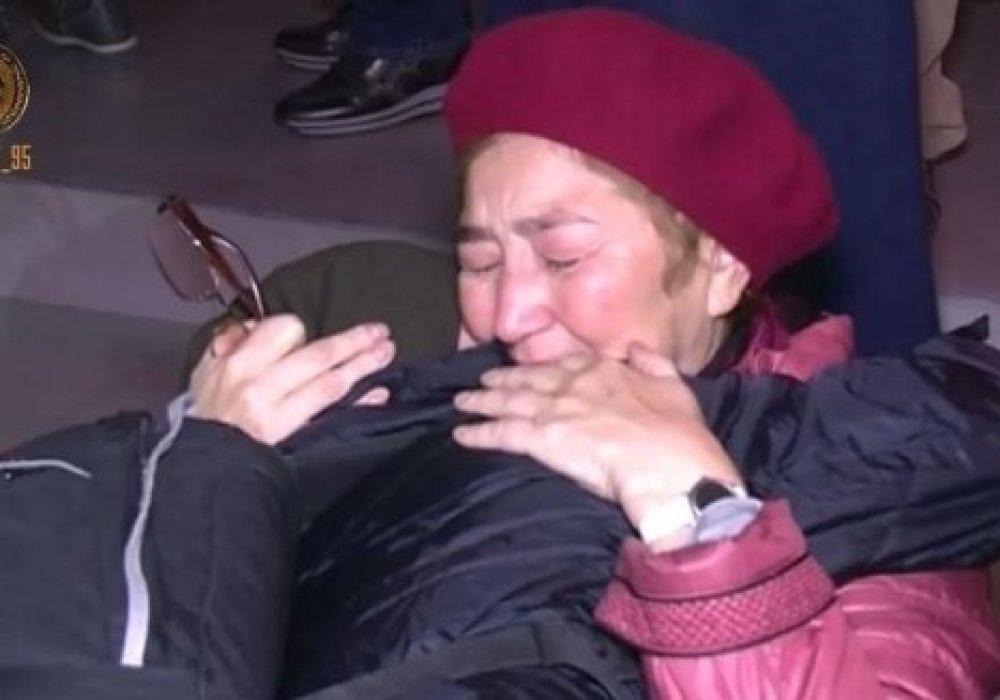 Рамзан Кадыров показал вывезенных из Сирии казахстанцев