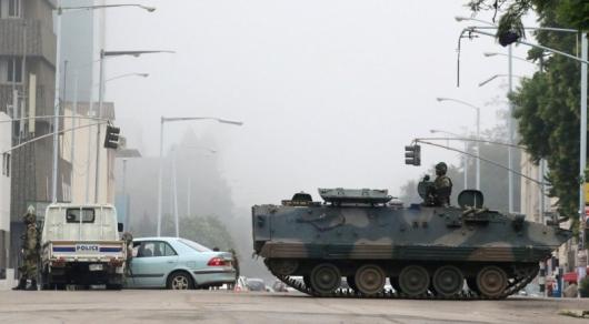 Переворот вЗимбабве: супруга президента покинула страну