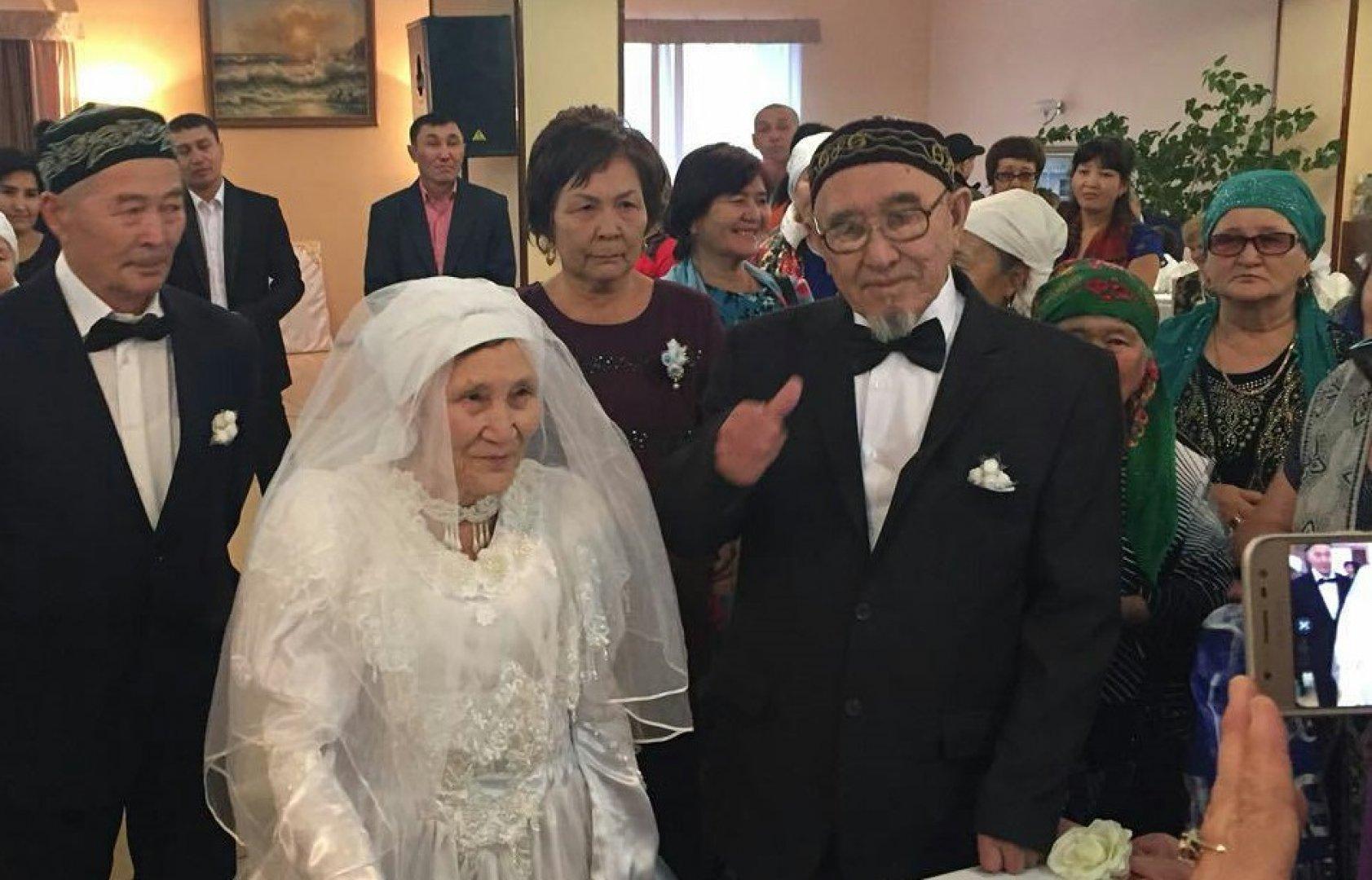 Казахск секс на свадьбе