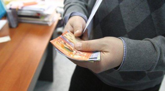 Повышенные соцвыплаты получат 200 тысяч казахстанцев - законопроект одобрен