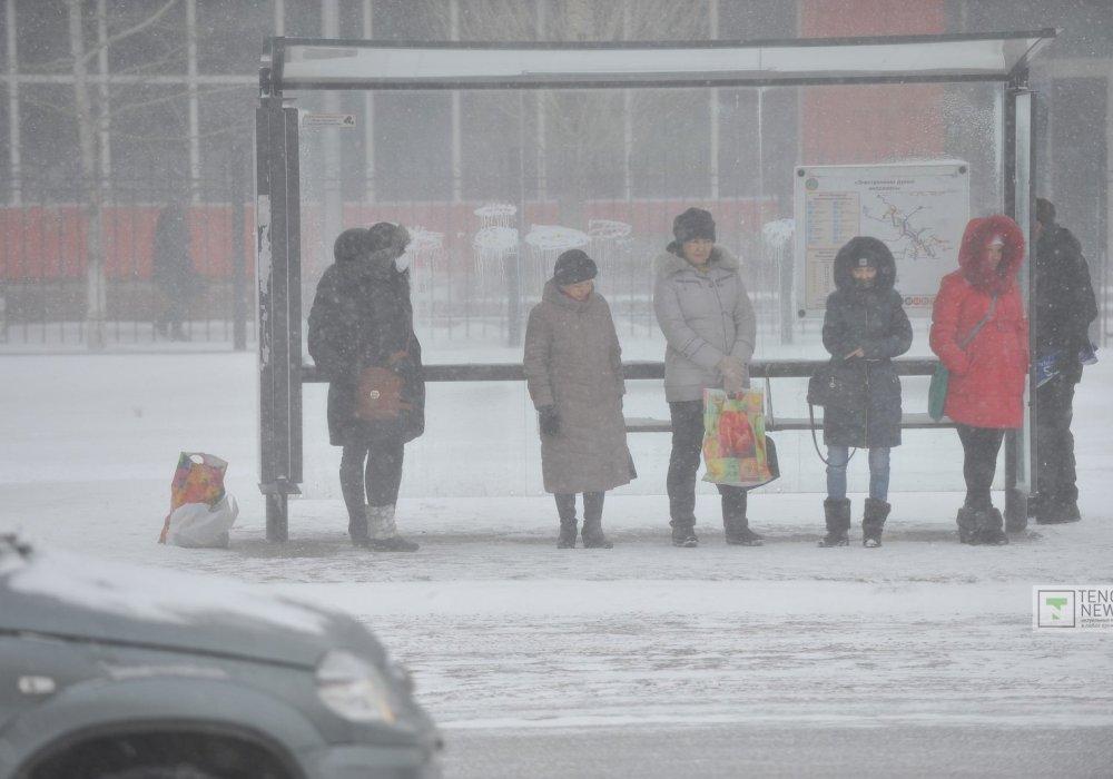 Депутат призвал подвозить астанчан бесплатно из-за снежной бури