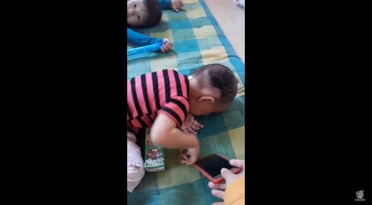 Найден результативный способ отучить детей от телефона
